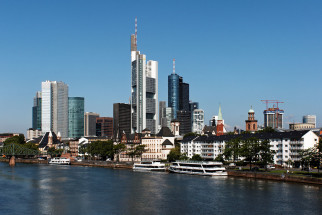 1200px-Skyline_Frankfurt